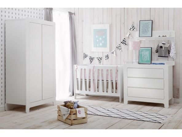 Babyzimmer Sparset Moon MDF von PINIO 3-tlg. Bett, Schrank, Wickelkommode, mit Soft-Close.