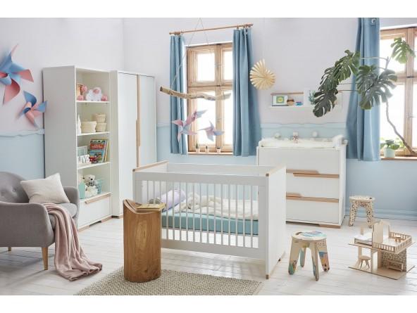 Snap - Babyzimmer Set von Pinio 4-tlg: mit Kinderbett, Schrank und (Wickel-) Kommode von Pinio.